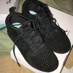 Diamond Supply Co black sneaker